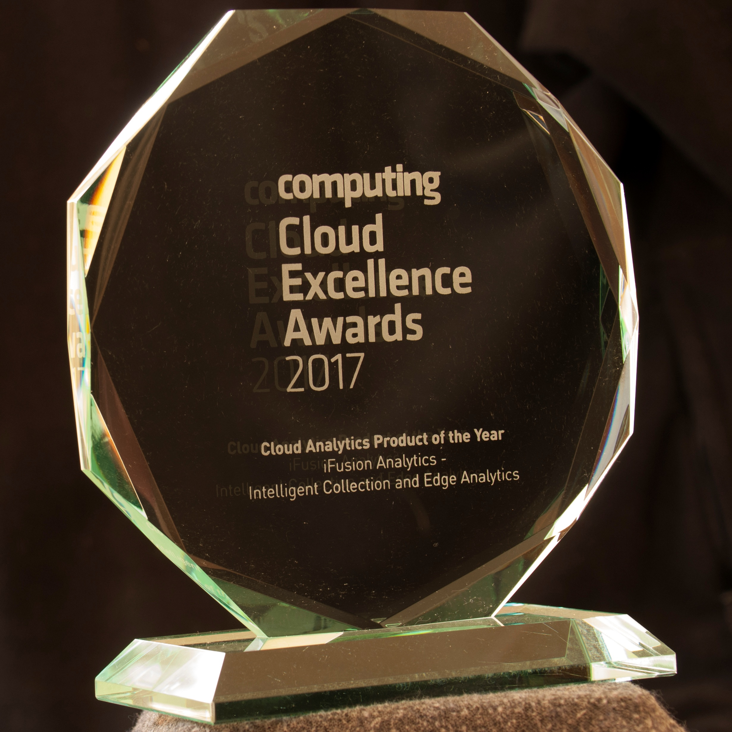 iFusion Analytics wins the 'Cloud Analytics Productof the Year 2017' Award