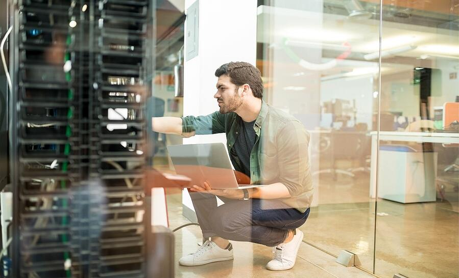 Cloud computing risks and benefits